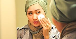 WAJIB BACA! 6 Dandanan Haram Bagi Wanita Muslimah