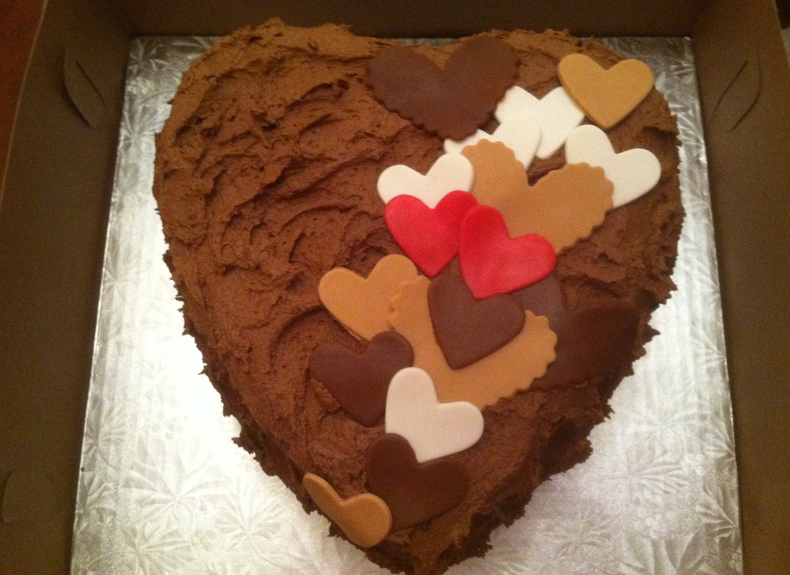 M Cakes Designs The Anniversary Cake Hearts Aren T Just For