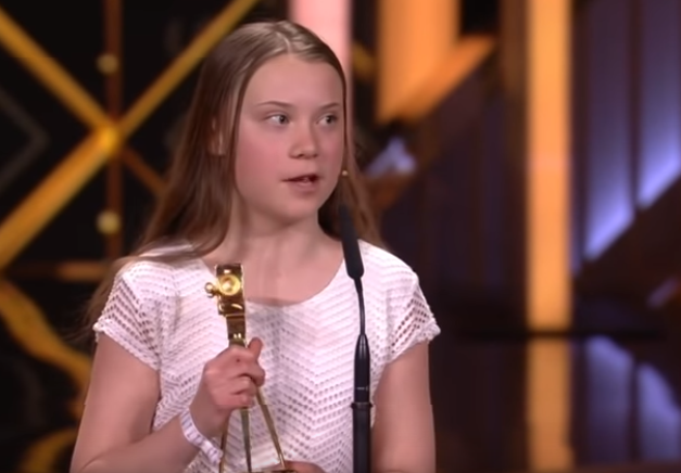 Greta Thunberg accepts German Golden Camera Award ...