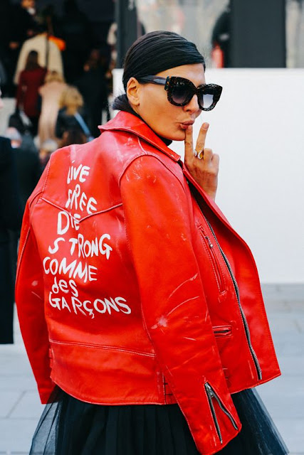 Giovanna Battaglia and leather jacket : 26 Images of Inspiration: Imperial Red 07-01-2016 {Cool Chic Style Fashion}