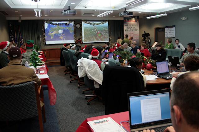 norad-staff-tracking-santa