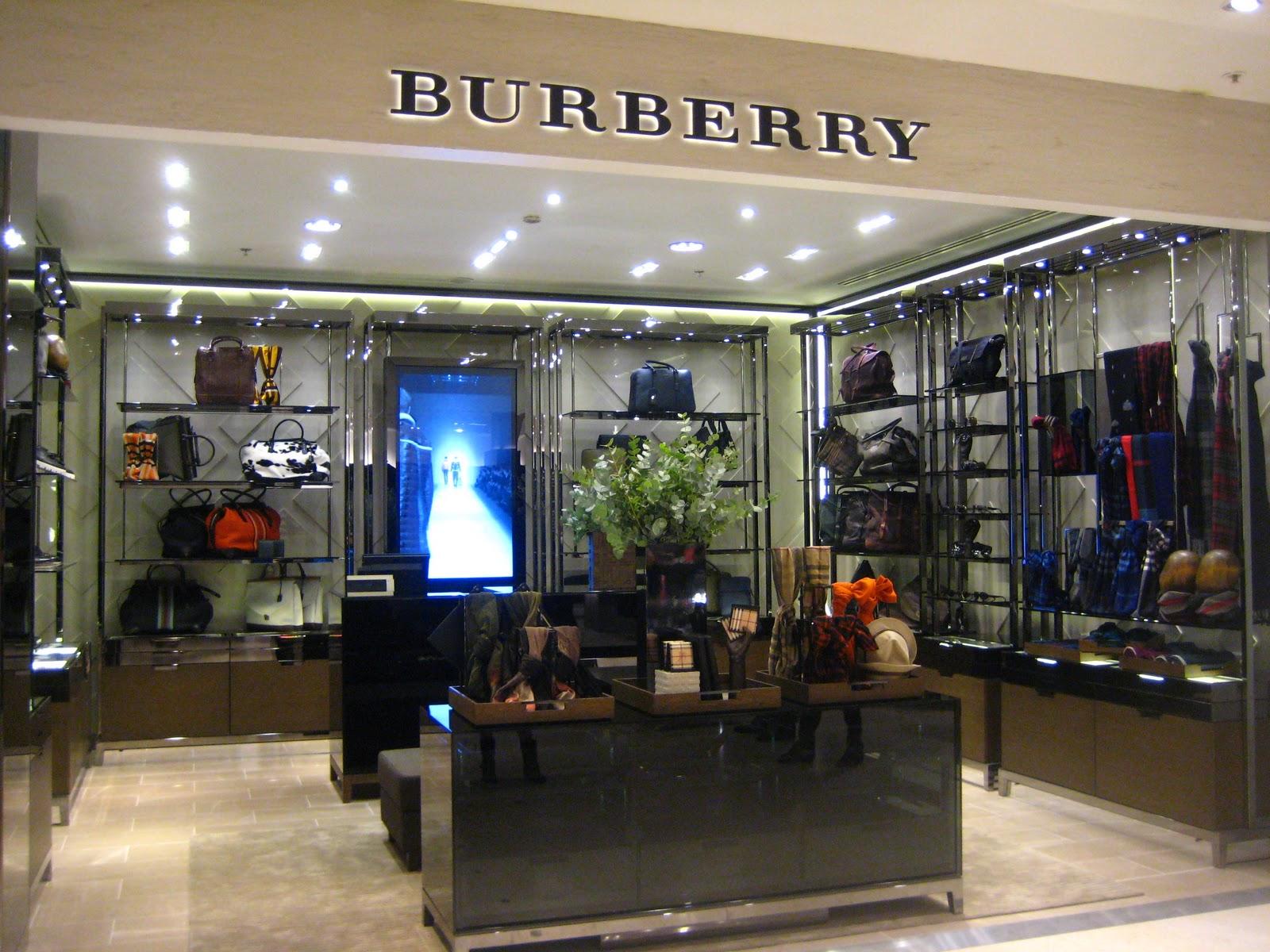 deco and fashion nouveau corner accessoires homme burberry printemps paris haussmann. Black Bedroom Furniture Sets. Home Design Ideas