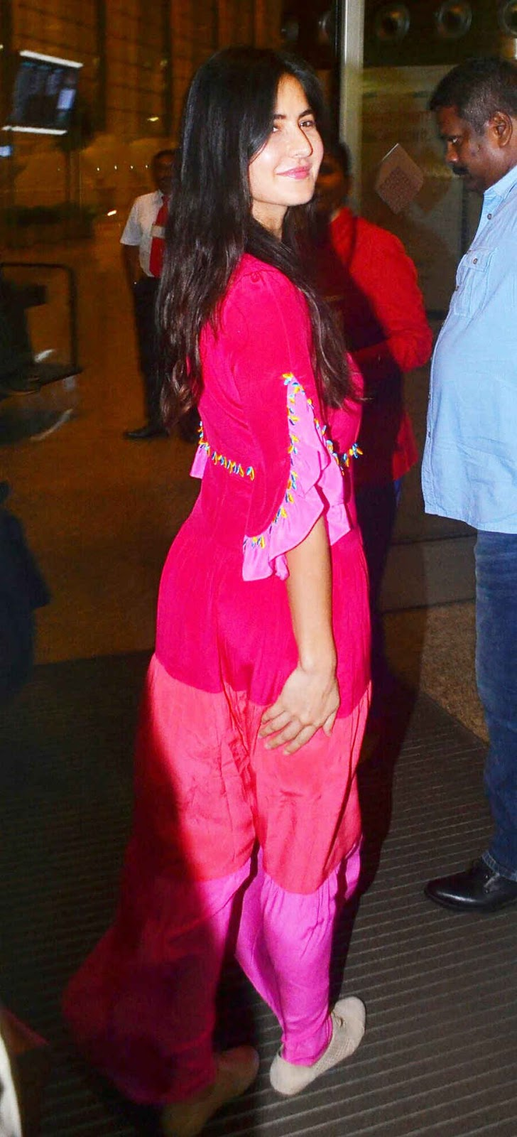 Katrina Kaif In Pink Salwar Suit Spotted at Mumbai Airport