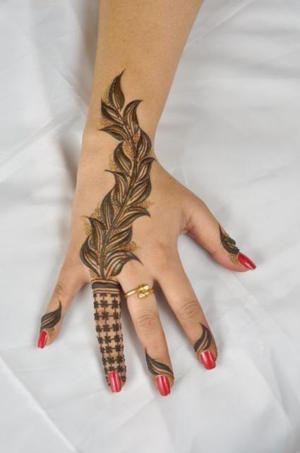 Modern Henna Designs: 20 Latest And Modern Henna Mehndi Designs For All