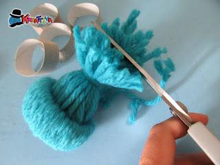crea il ciuffo per il cappellino di lana