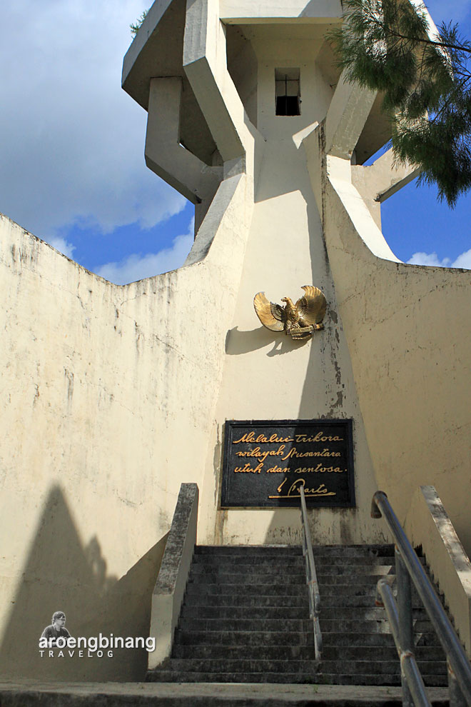 monumen trikora pulau lembeh bitung