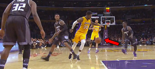 Julius Randle Shows His Handle with SICK Behind-the-Back Crossover (VIDEO)