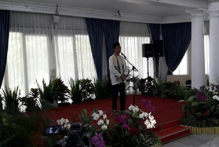Ustadz Abdul Somad doakan Aher