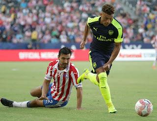 Ox mencetak gol lawan Chivas