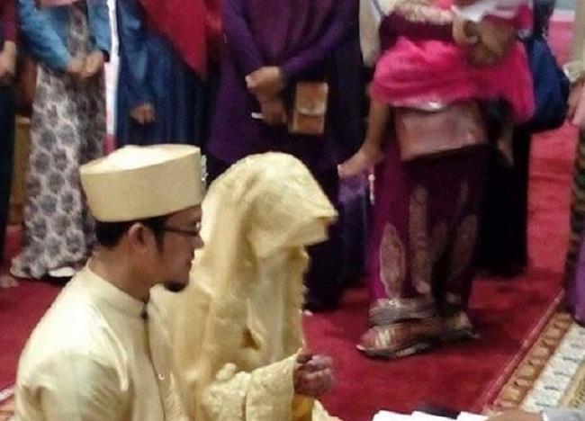 Gadis Aceh ini dinikahi oleh seorang hafidz dengan mahar surat Al-Fath