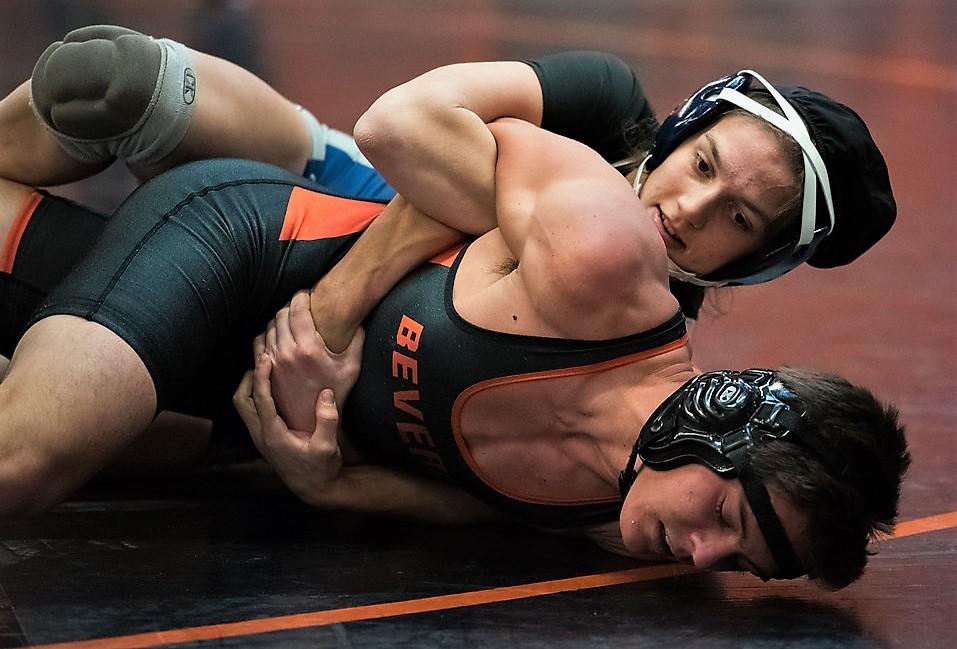 Men Wrestling Women Guy Takes A Beating From Female Wrestler-9647