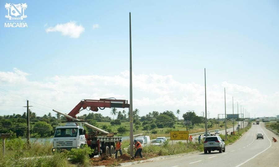 Resultado de imagem para iluminação da br 304 em macaiba