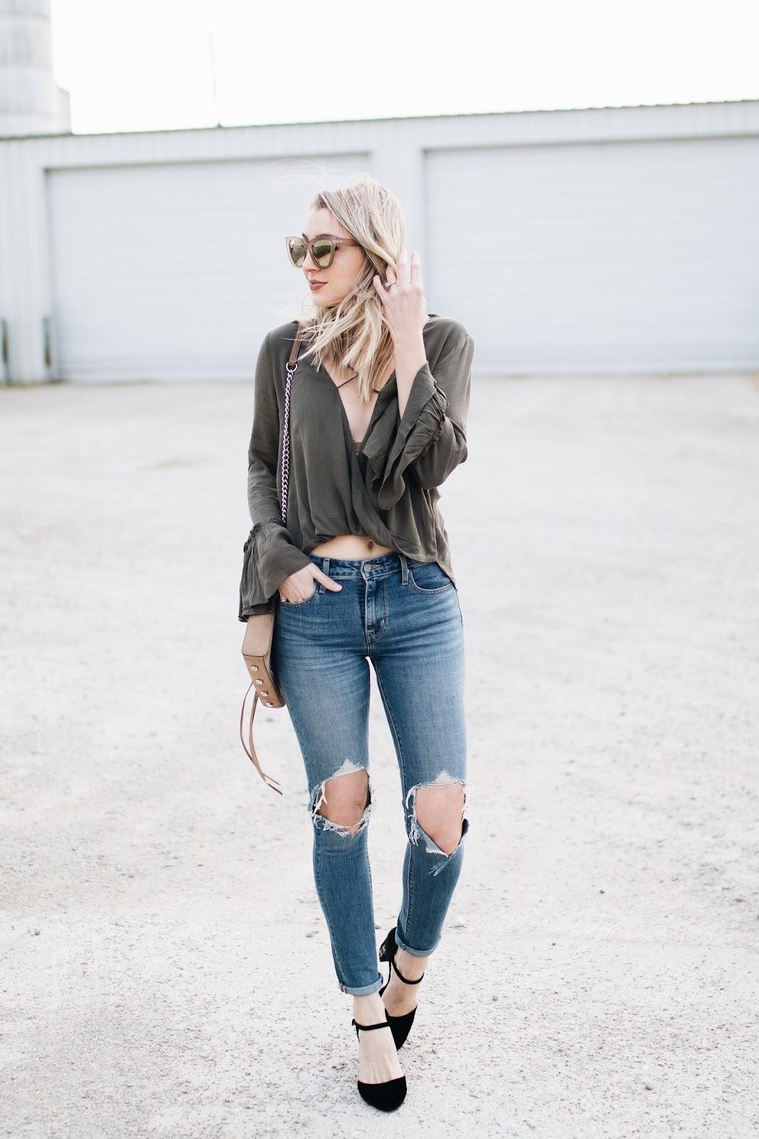 Levi's distressed skinny jeans / Levi's 721