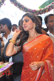 Actress Samantha Pictures in Saree at South India Shoping Mall Launch 0278