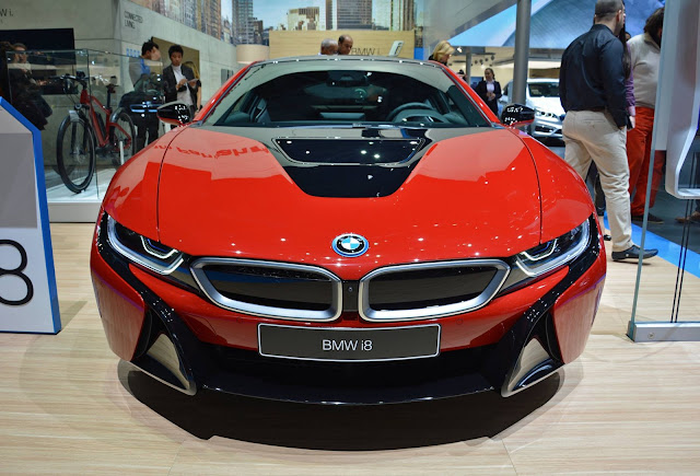 Beautiful cars, BMW i8 in red