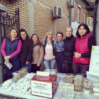 Маме из Пирота продавале колаче да би помогле суграђанки
