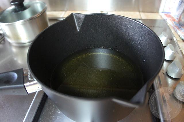 Round Bottom Wok With Ring