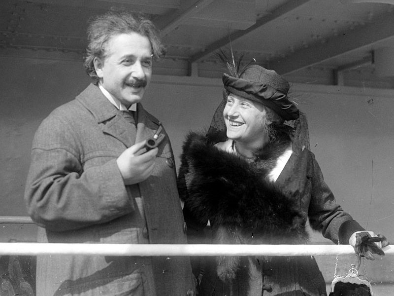 The Truth Behind Einstein's Letter on the 'Universal Force' of Love