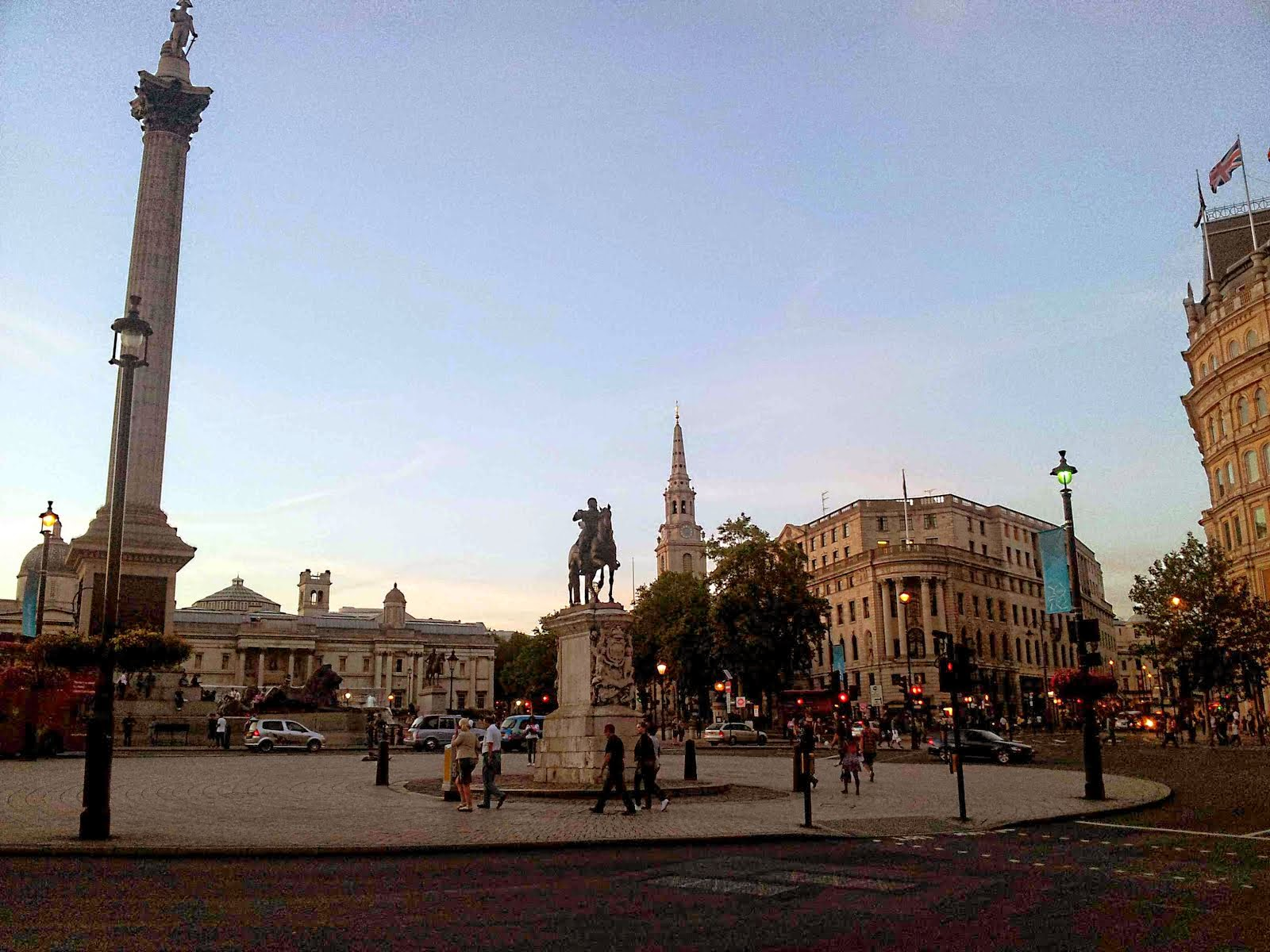 London, Trafalgar Square at dusk