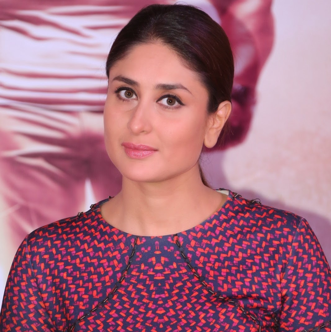 Kareena Kapoor Photos In Red Dress