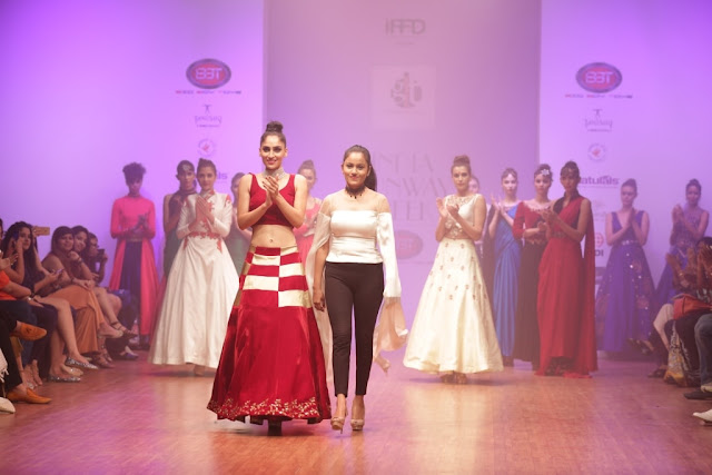 Model with Designer Isha Gupta Tayal