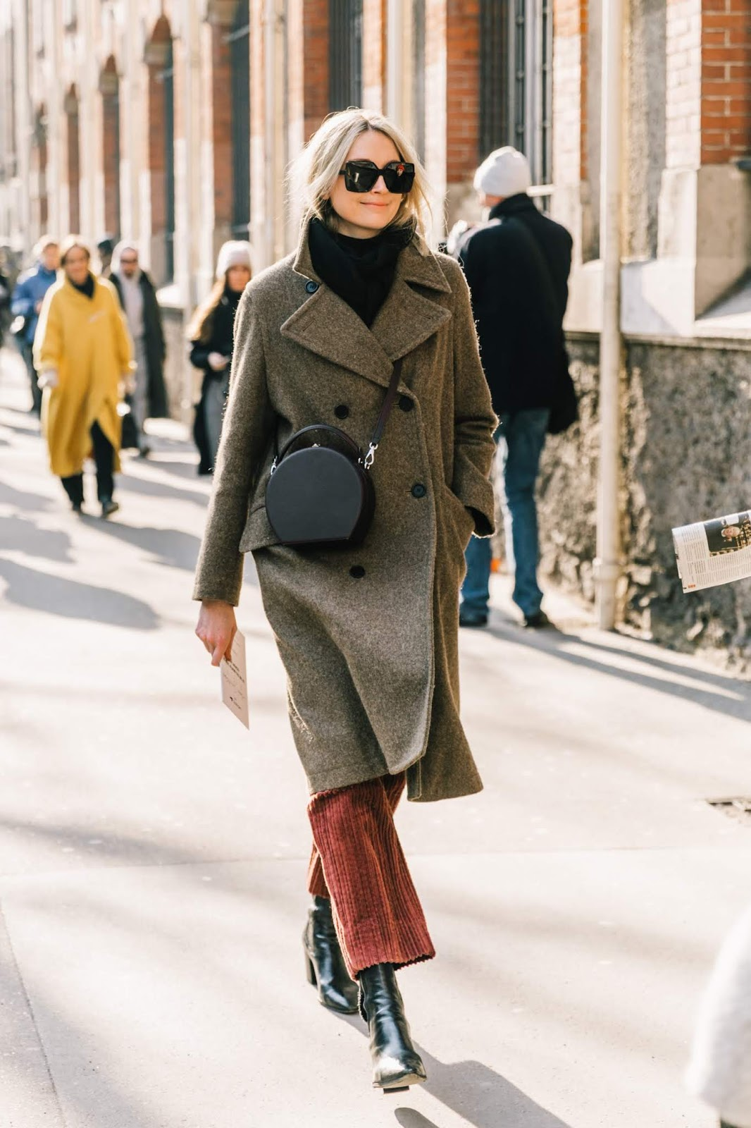 Winter Outfit Formula: Classic Coat, Turtleneck, Crossbody Bag, Corduroy Cropped Pants, and Ankle Boots