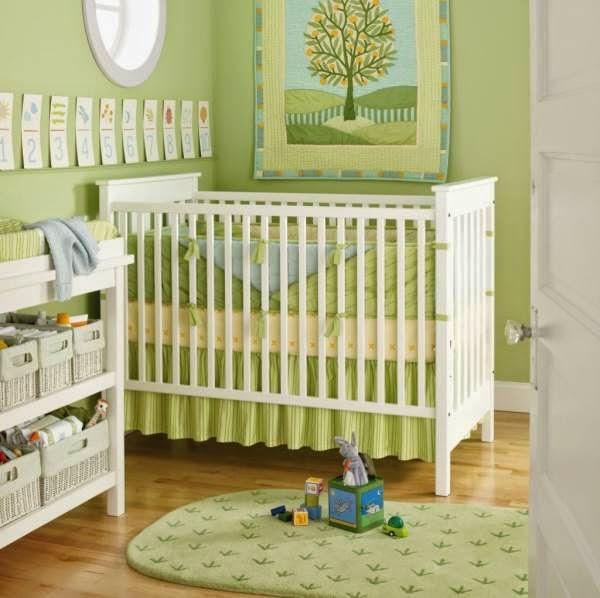Desain interior yang indah untuk kamar bayi perempuan