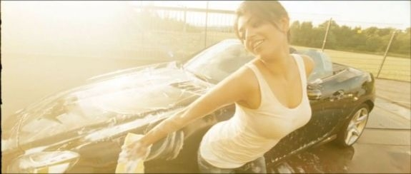 Kajal Agarwal's Hot Car Wash Wet PIcs