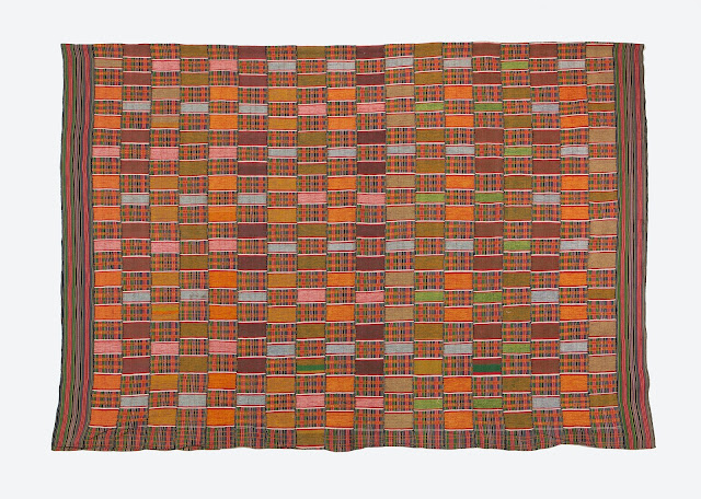 Weaving History: Kente Cloth and Naming Conventions in Ghana