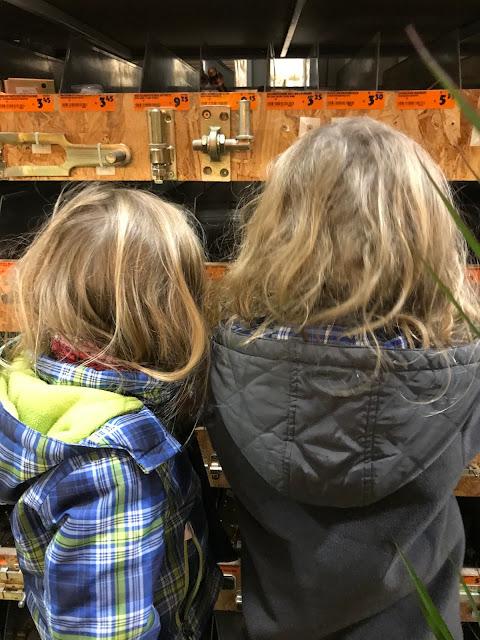 Der Zwuggel und der Wutz im Baumarkt - Männer-Shopping