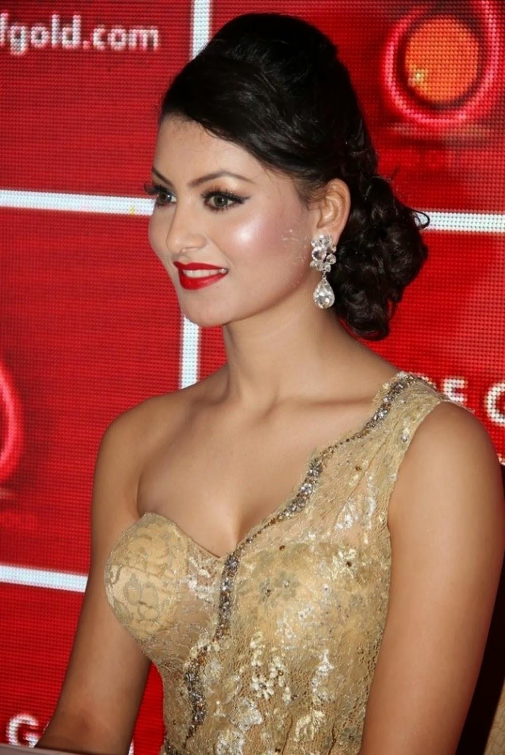 Bollywood Actress Urvashi Rautela Hot Photos, Urvashi