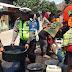 Sambut HUT ke-63, Satlantas Polres Bima Bagikan Air Bersih untuk Masyarakat