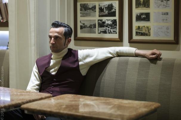 """Ein Kellner, ein Mord und ganz viel Abenteuer: """"The Waiter"""" kommt in die griechischen Kinos"""