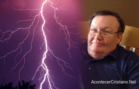 Pastor sobrevive al impacto de un rayo