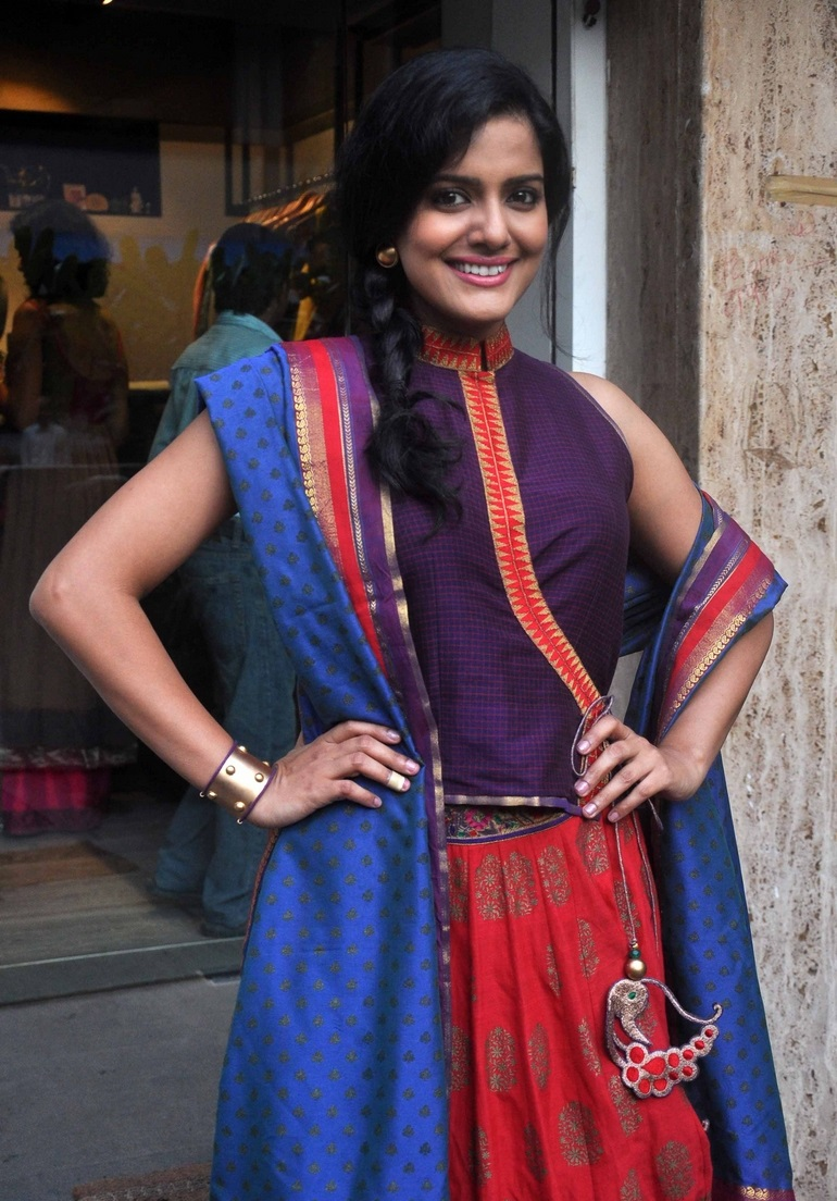 Bollywood Actress Vishakha Singh Hot Stills In Violet Top Red Bottom