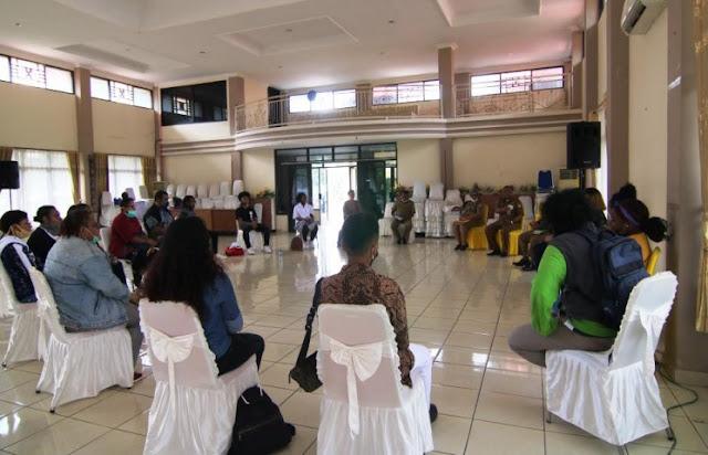 Aryoko Rumaropen Pimpin Pertemuan BPSDM dengan Mahasiswa Papua Berstudi China