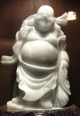 Pure white jade Buddha picture