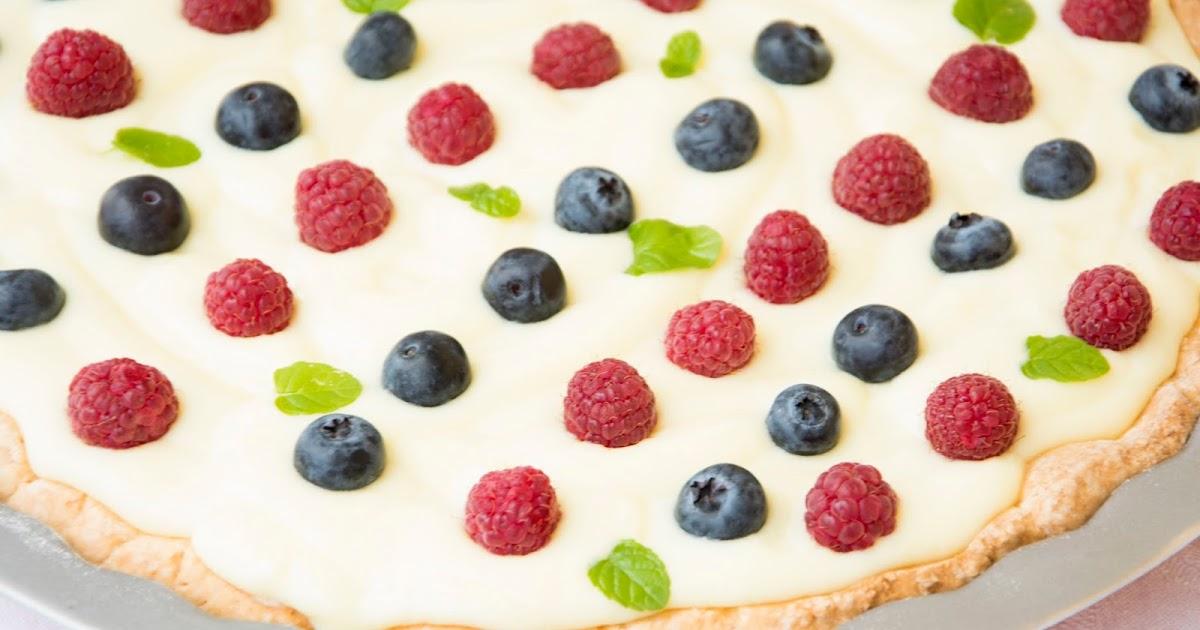 Torta senza glutine ai frutti di bosco e crema pasticcera con preparato San Martino