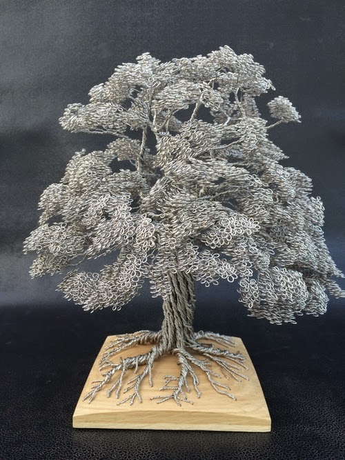04-Clive-Maddison-Small-Wire-Tree-Sculptures-www-designstack-co