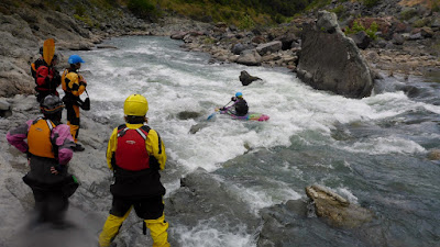 whitewater river kayaking class