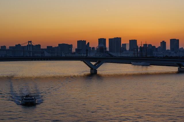 晴海大橋から望む富士山
