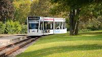 Strassenbahn in Erfurt mit Werbung der Black Dragons Erfurt von Fotograf Michael Schalansky