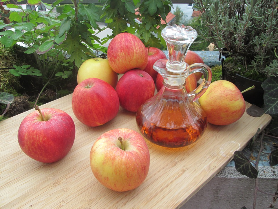 use apple cider to remove build up in hair