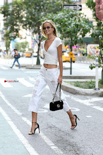 Frida-Aasen-On-her-way-to-the-fittings-for-the-Victoria-_005+%7E+SexyCelebs.in+Exclusive.jpg