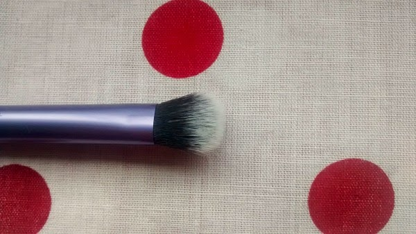RealTechniques Domed Shadow Brush