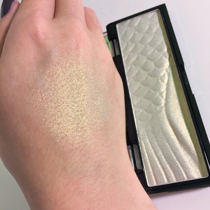 wet n wild megaglo Highlighting Bar Midnight Moon swatch