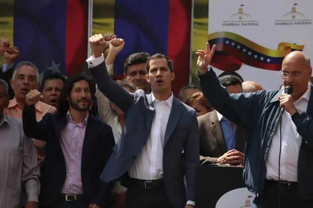 """""""Competencias"""" vs """"encargaduría"""": ¿Nota de prensa de la AN cambió el sentido de lo dicho por Guaidó?"""