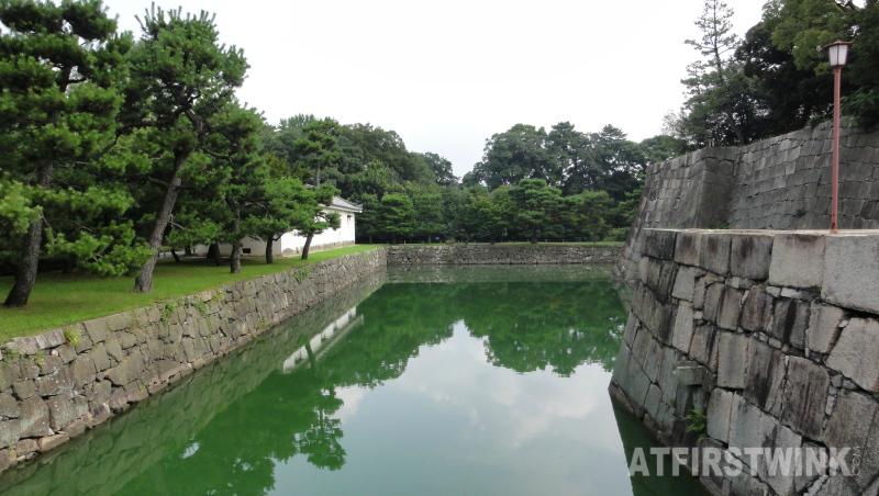 Nijo Castle (二条城)  Kyoto Japan honmaru palace inner moat