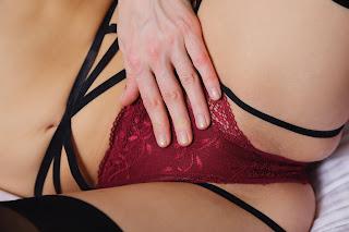Casual Bottomless Girls - Lucy%2BHeart-S03-010.jpg