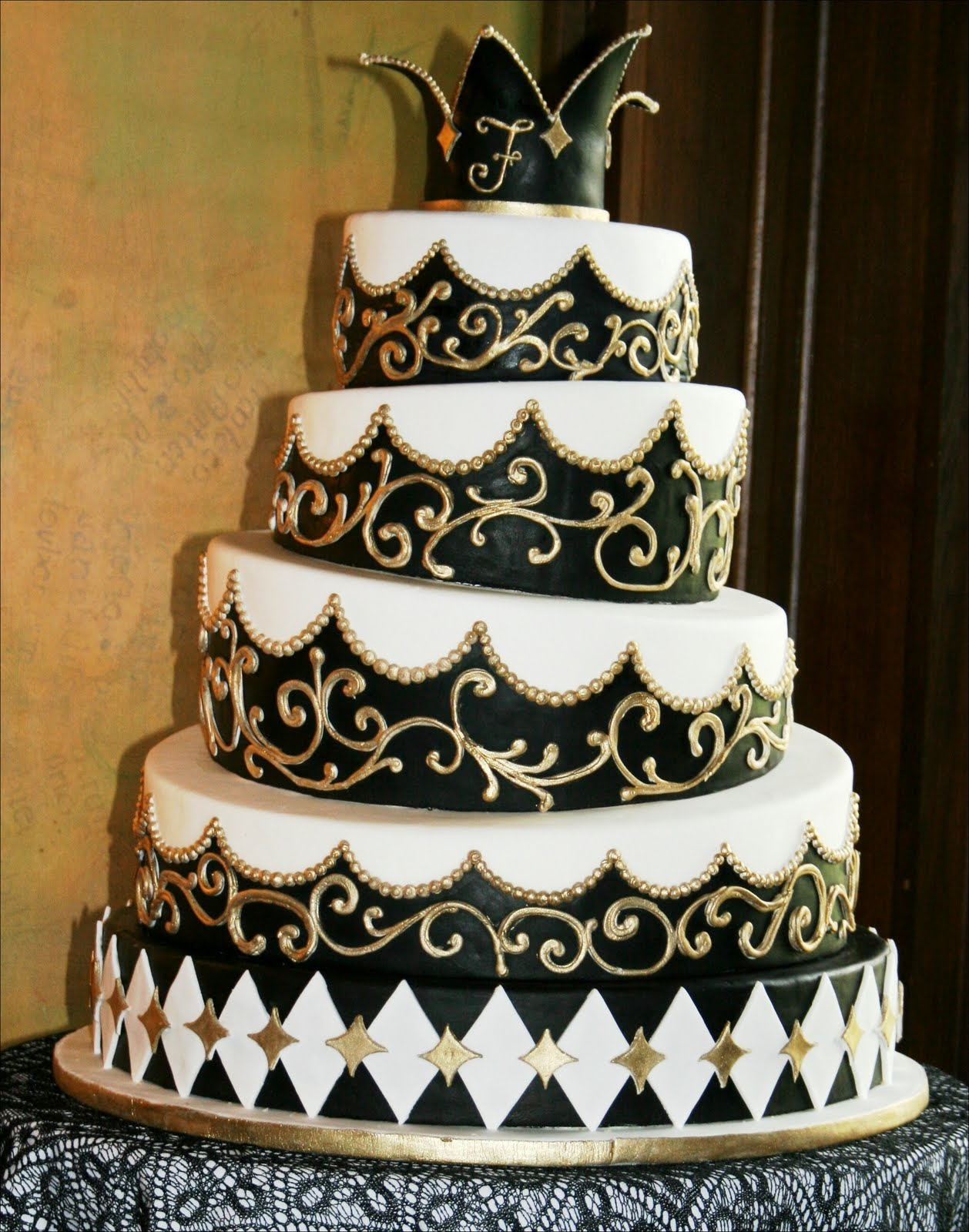 Black Half Gold Half Cake Designs